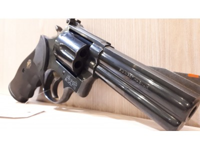Smith & Wesson 586 .357 mag 4